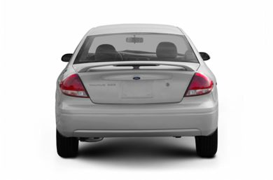 Rear Profile  2004 Ford Taurus