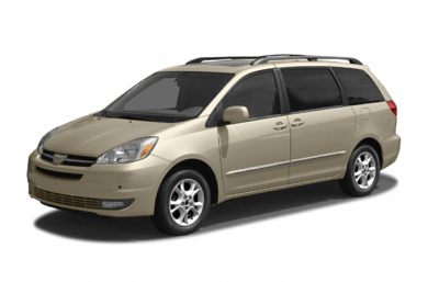 3/4 Front Glamour 2004 Toyota Sienna