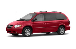 3/4 Front Glamour 2005 Chrysler Town & Country