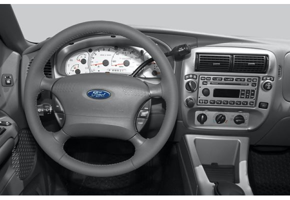 2005 ford explorer sport trac pictures photos carsdirect - Ford explorer sport trac interior ...