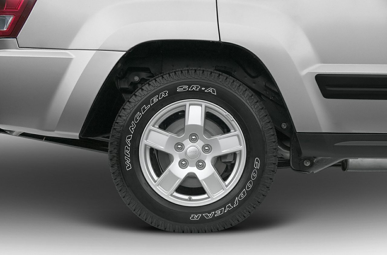 Tires 2005 Jeep Grand Cherokee