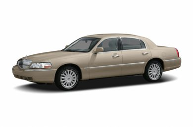 3/4 Front Glamour 2005 Lincoln Town Car