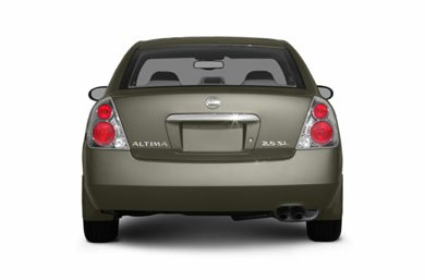Rear Profile  2005 Nissan Altima