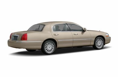 3/4 Rear Glamour  2006 Lincoln Town Car