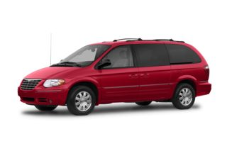 3/4 Front Glamour 2007 Chrysler Town & Country
