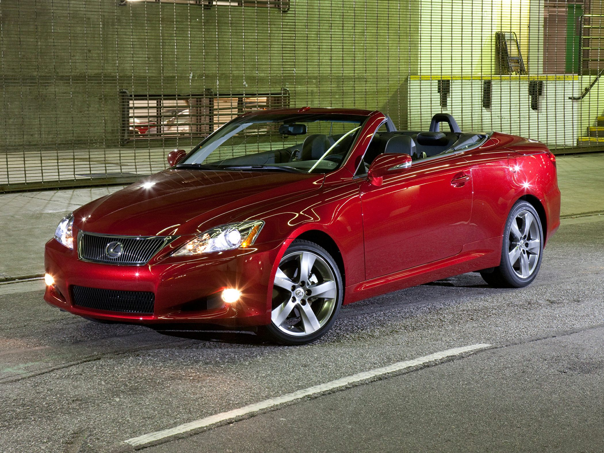2014 lexus is250c