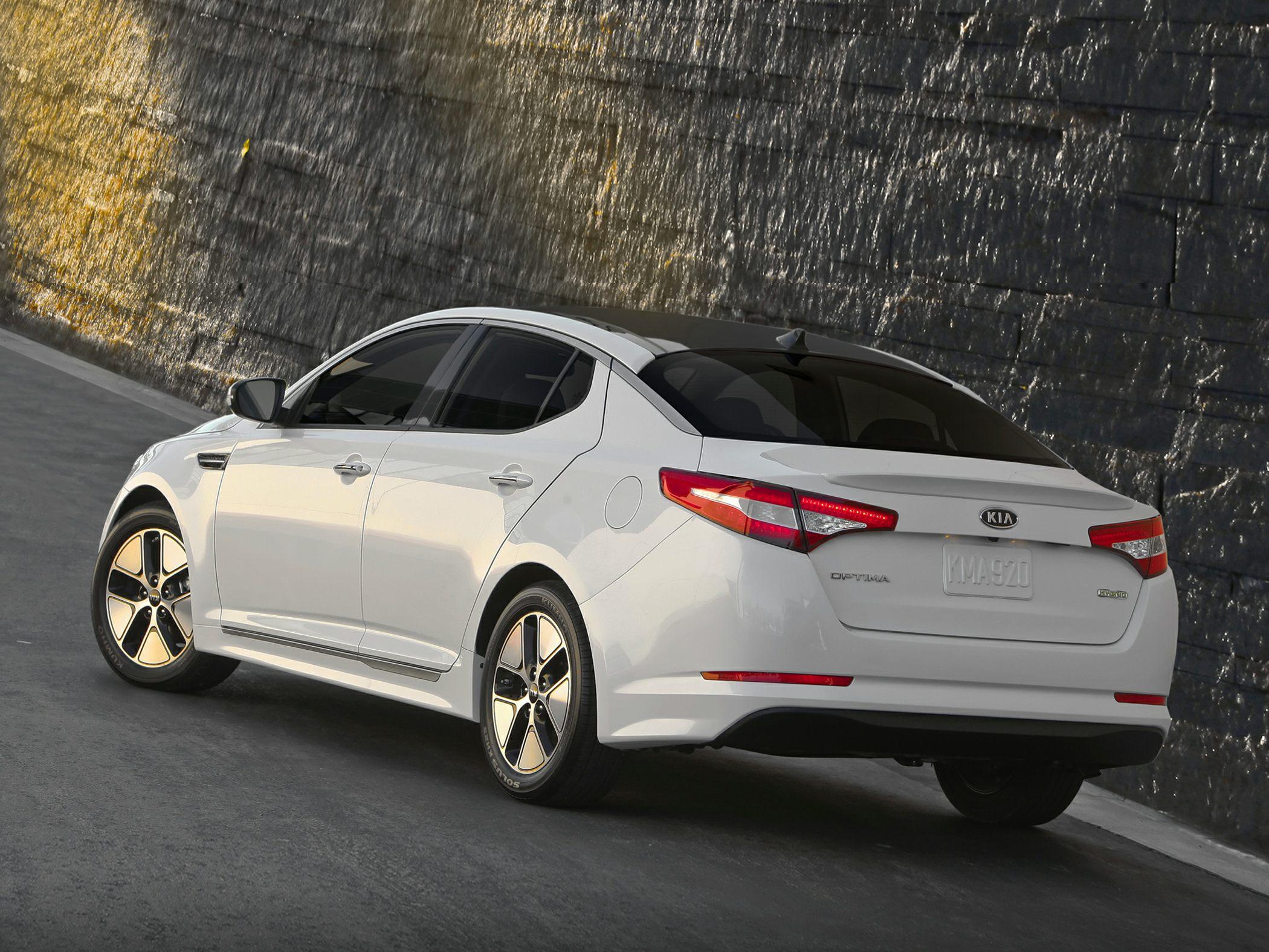 2014 Kia Optima Hybrid Glam2