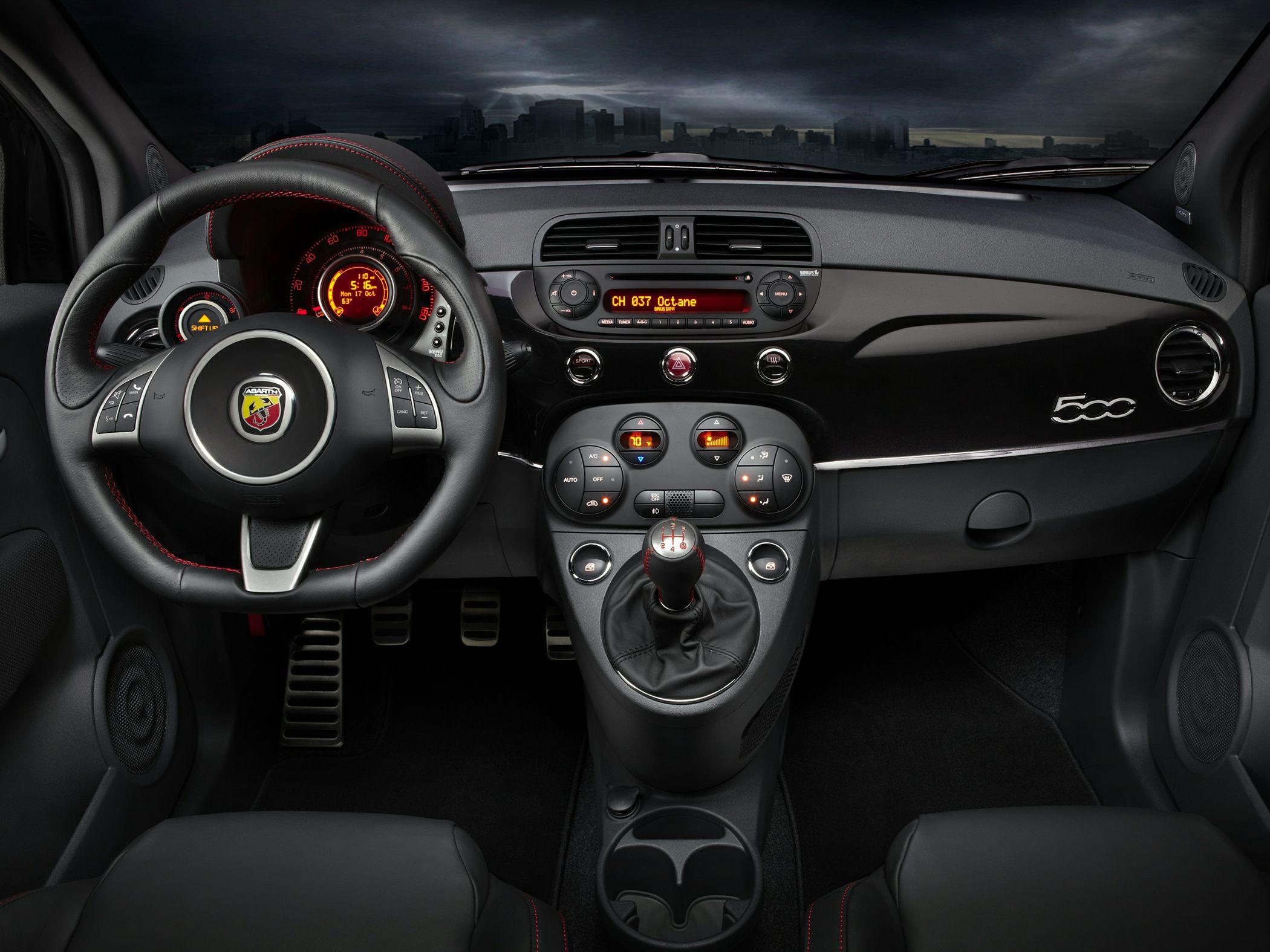 2014 Fiat 500 Glamour Interior