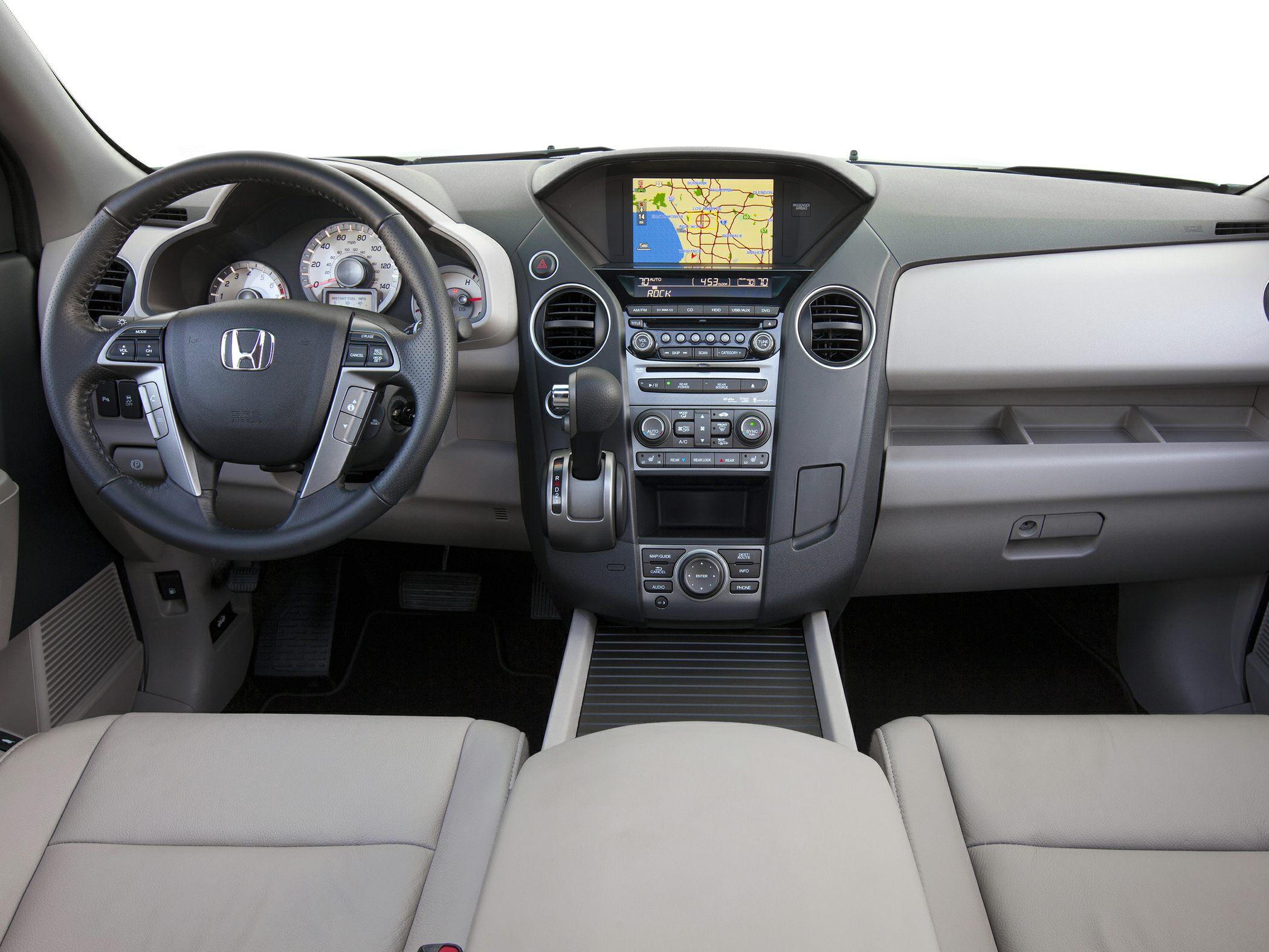 2014 Honda Pilot Glamour Interior
