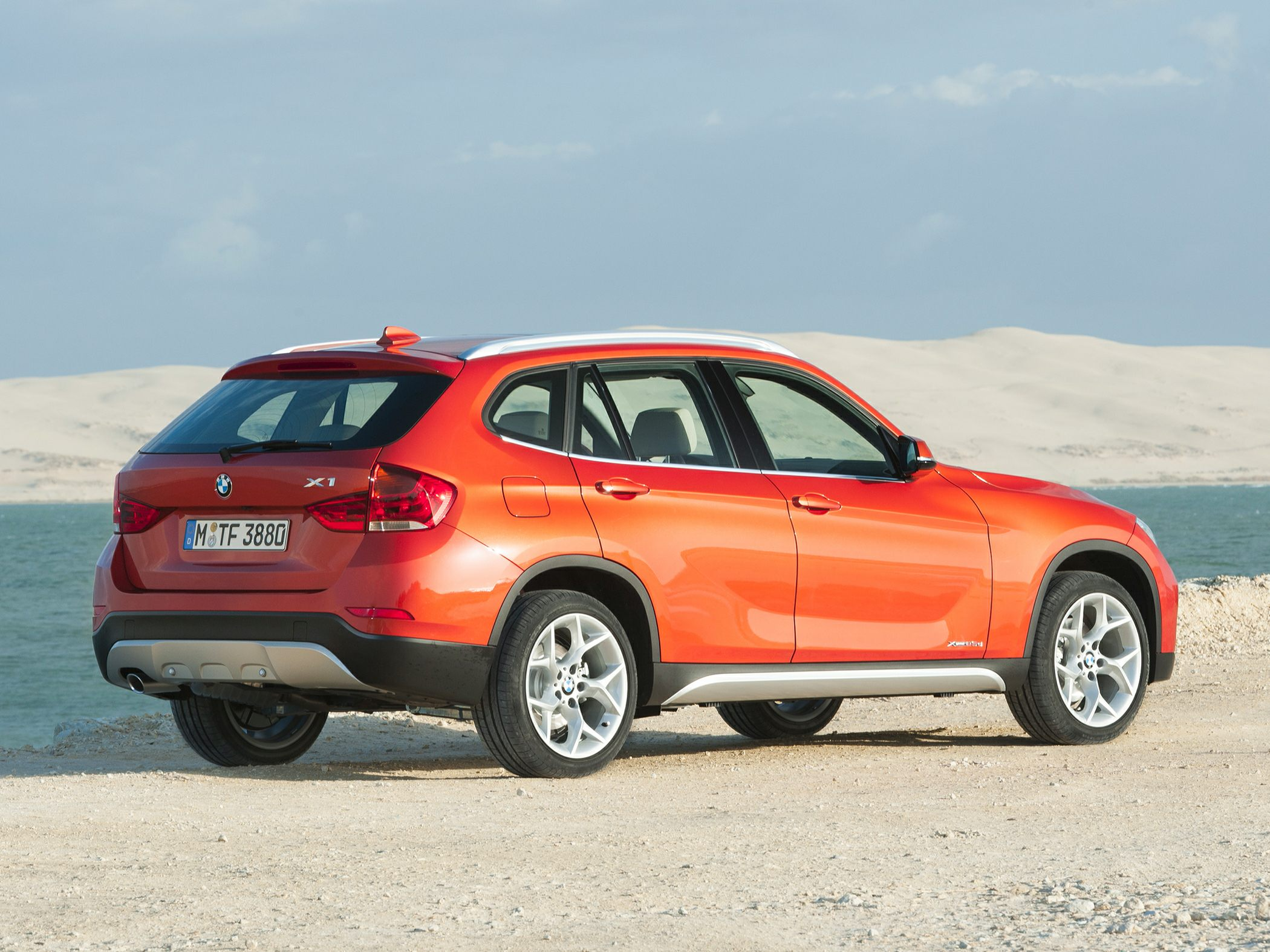 2015 BMW X1 Side Rear