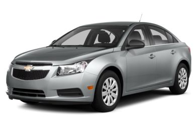 3/4 Front Glamour 2013 Chevrolet Cruze
