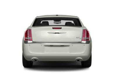 Rear Profile  2013 Chrysler 300C