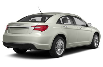 3/4 Rear Glamour  2013 Chrysler 200