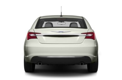 Rear Profile  2013 Chrysler 200