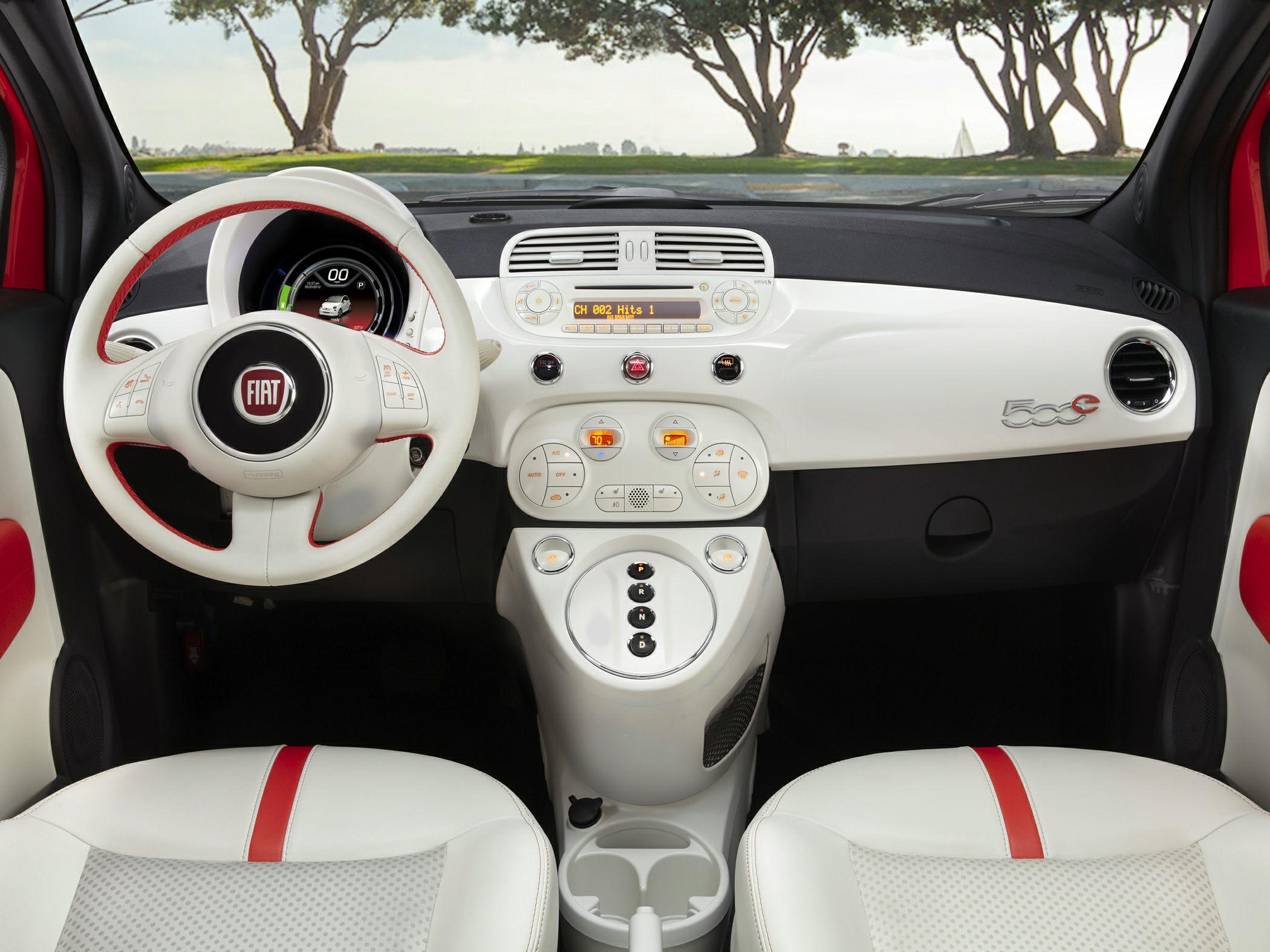 2014 Fiat 500e Interior