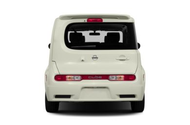 Rear Profile  2013 Nissan Cube