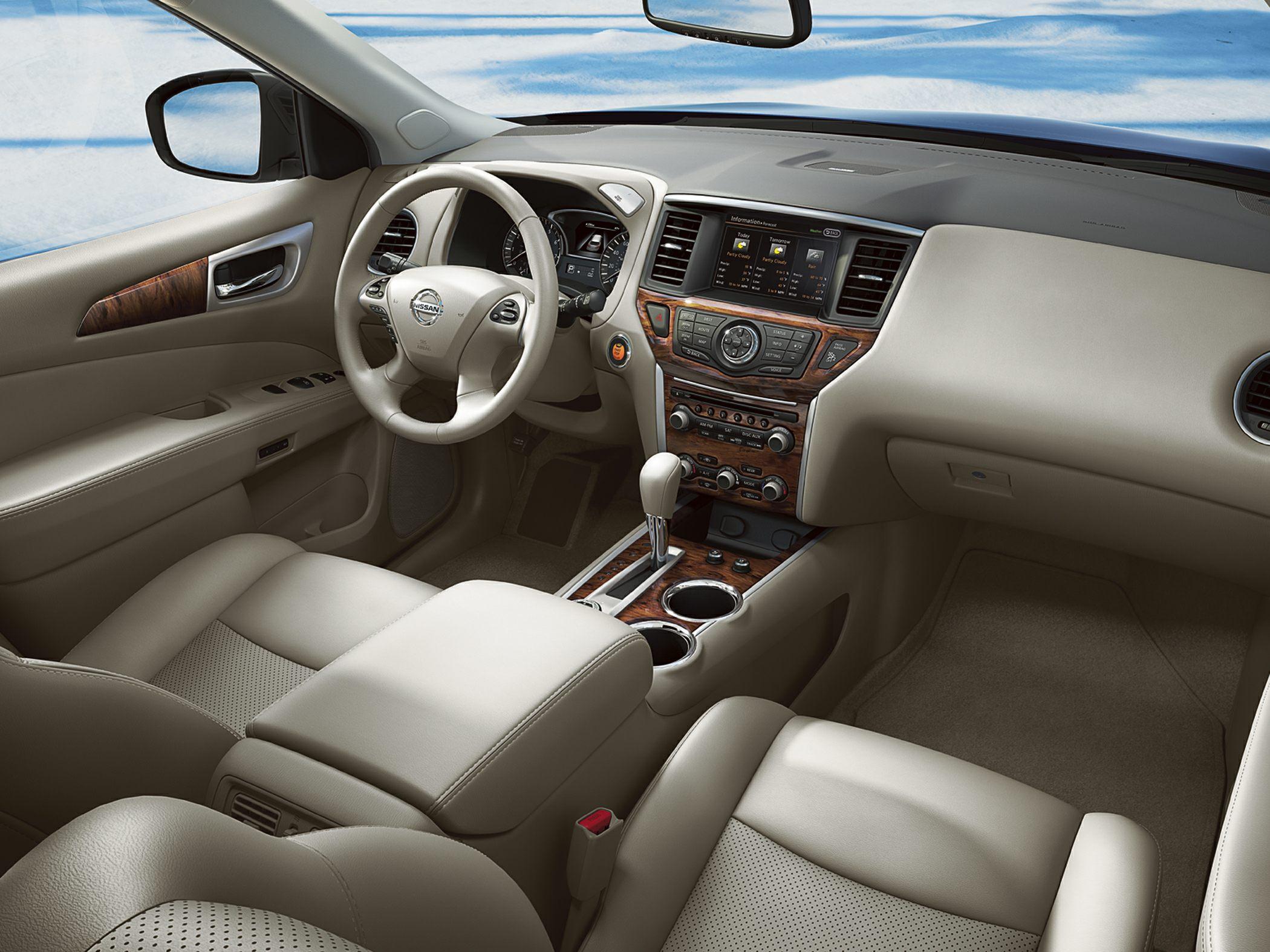 2014 Nissan Pathfinder Glamour Interior