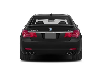 Rear Profile  2014 BMW ALPINA B7
