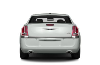 Rear Profile  2014 Chrysler 300C