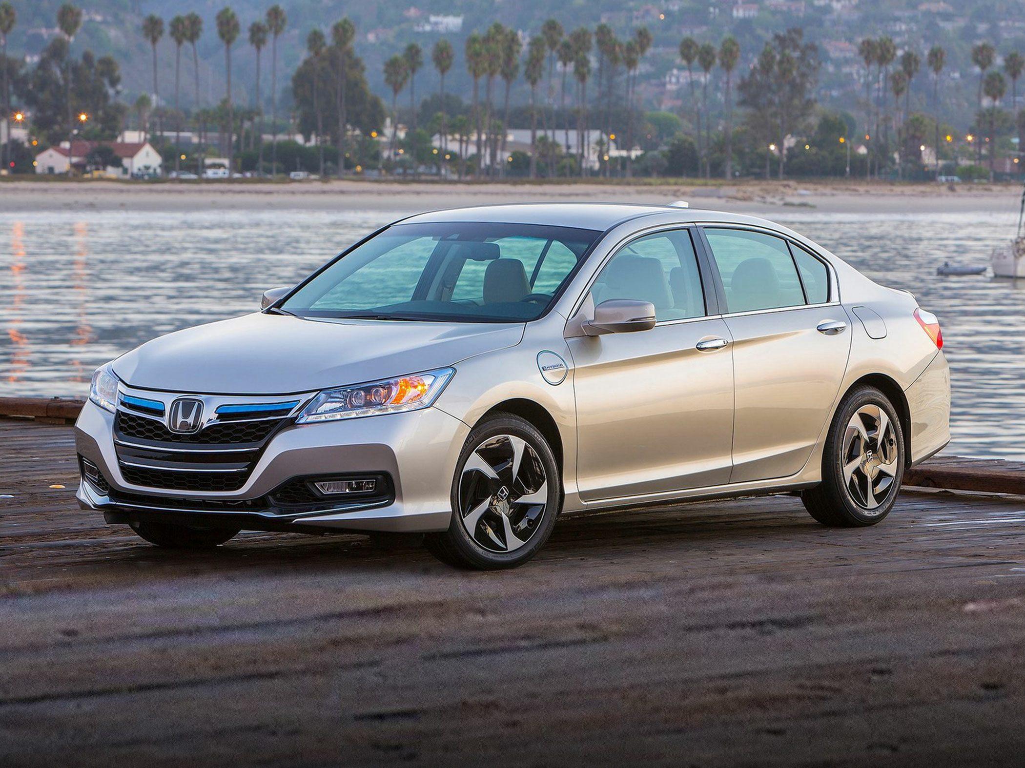 2014 Honda Accord Plug-In Hybrid Glam