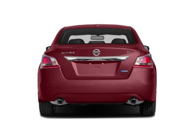 Rear Profile  2014 Nissan Altima