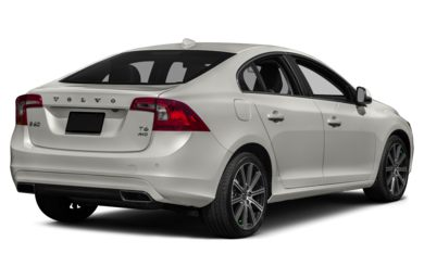 3/4 Rear Glamour  2015 Volvo S60