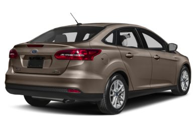 3/4 Rear Glamour  2017 Ford Focus