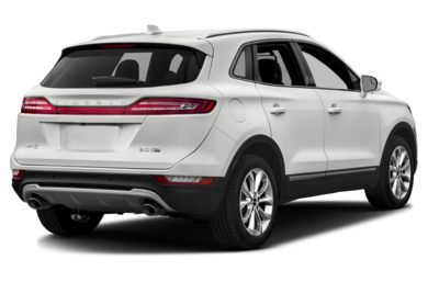 3/4 Rear Glamour  2015 Lincoln MKC