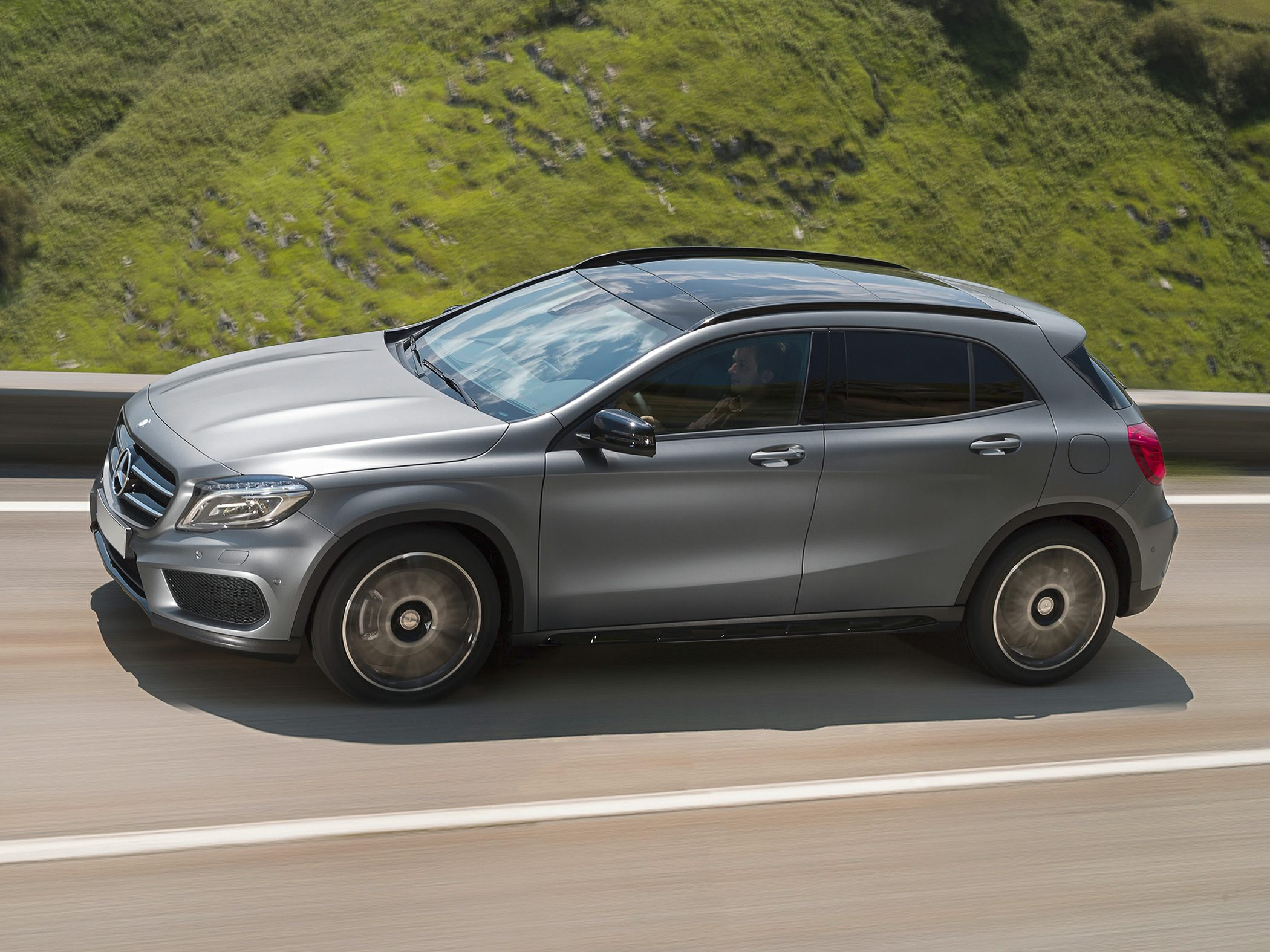 2016 mercedes benz gla250 styles features highlights. Black Bedroom Furniture Sets. Home Design Ideas