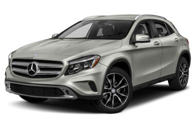 3/4 Front Glamour 2015 Mercedes-Benz GLA250