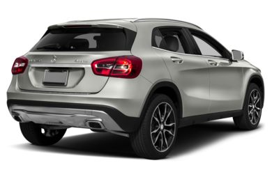 3/4 Rear Glamour  2017 Mercedes-Benz GLA250