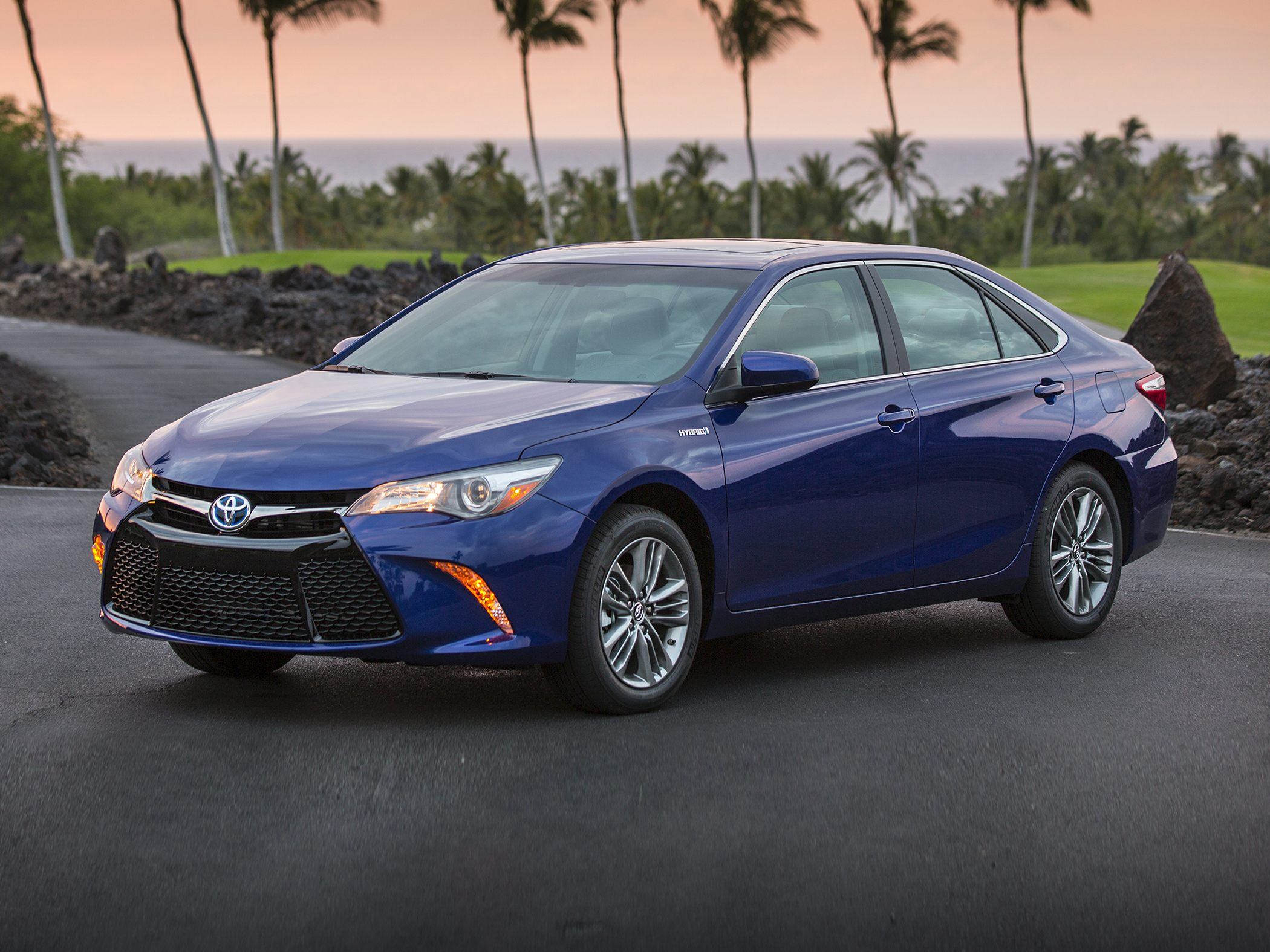 2017 toyota camry hybrid deals prices incentives leases overview carsdirect. Black Bedroom Furniture Sets. Home Design Ideas