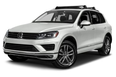 3/4 Front Glamour 2017 Volkswagen Touareg