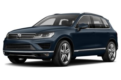 3/4 Front Glamour 2015 Volkswagen Touareg