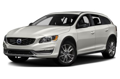 3/4 Front Glamour 2018 Volvo V60 Cross Country