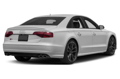 3/4 Rear Glamour  2017 Audi S8