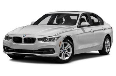 3/4 Front Glamour 2018 BMW 330