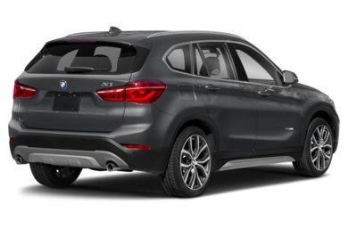 3/4 Rear Glamour  2018 BMW X1