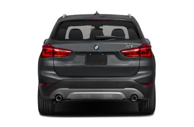 Rear Profile  2018 BMW X1