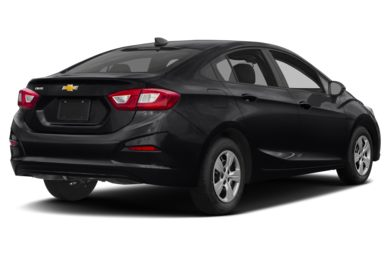 3/4 Rear Glamour  2018 Chevrolet Cruze