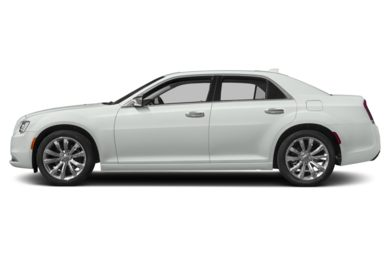 90 Degree Profile 2017 Chrysler 300C