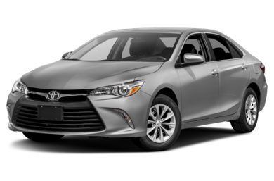 3/4 Front Glamour 2017 Toyota Camry