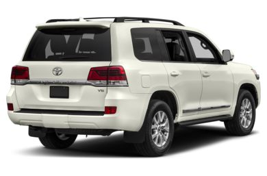 3/4 Rear Glamour  2017 Toyota Land Cruiser