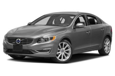 3/4 Front Glamour 2017 Volvo S60 Inscription