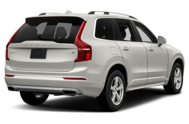 3/4 Rear Glamour  2017 Volvo XC90