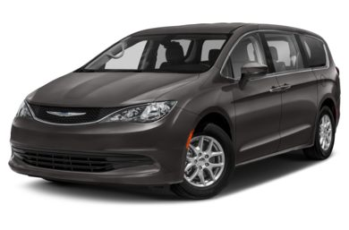 3/4 Front Glamour 2017 Chrysler Pacifica