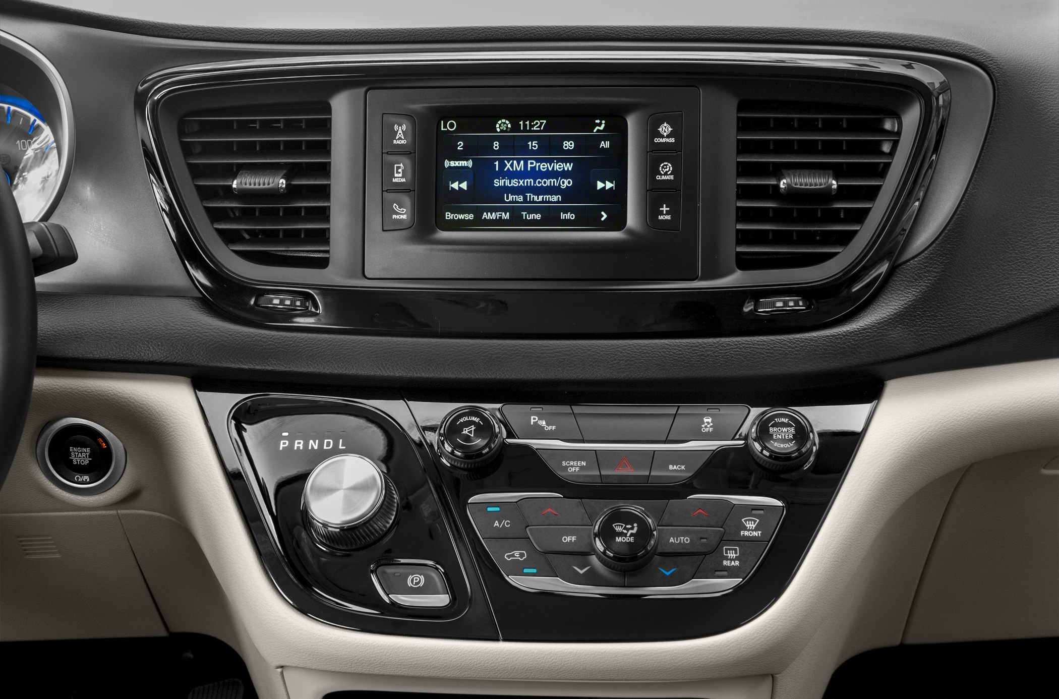 2018 Chrysler Pacifica Pictures Amp Photos Carsdirect