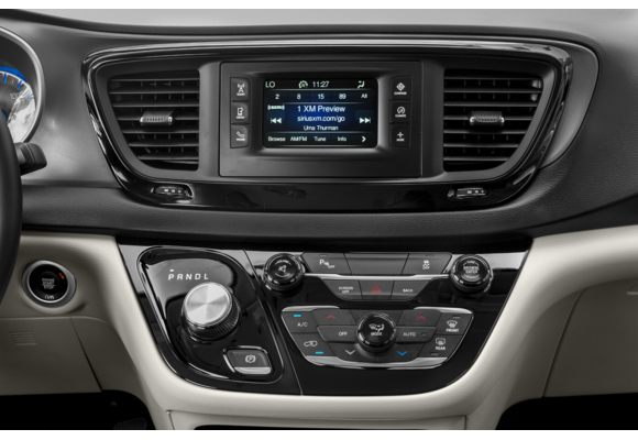 2018 Chrysler Pacifica Pictures Photos Carsdirect