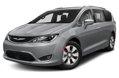 3/4 Front Glamour 2017 Chrysler Pacifica Hybrid
