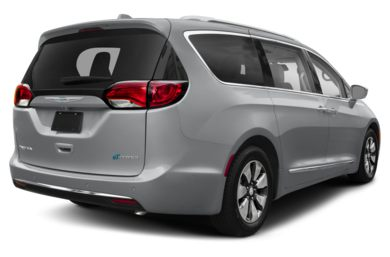 3/4 Rear Glamour  2018 Chrysler Pacifica Hybrid